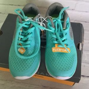 Champion Shoes - Champion Girls Sz 13 Lightweight Running Sneakers